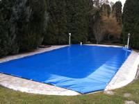 Kék medence takarás