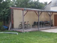 Víztiszta kerékpár tároló