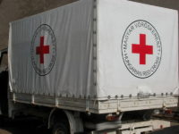Vöröskereszt teherautó ponyva